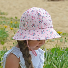 AVA BUCKET HAT WITH STRAP
